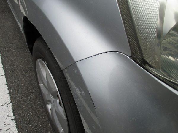 トヨタ フロントバンパーのキズ修理