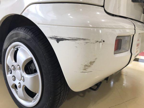 ダイハツ ムーブ福祉車両のリアバンパーきず修復