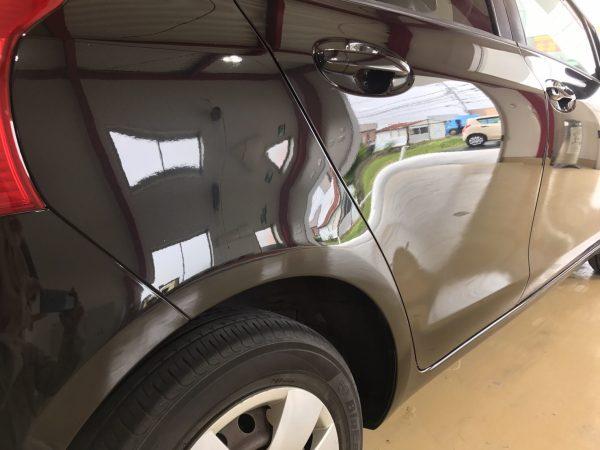トヨタ ヴィッツ リヤフェンダー凹み、キズ修理