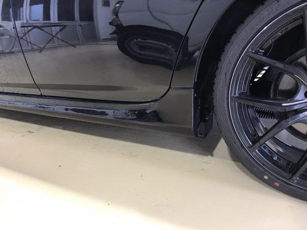 トヨタ プリウス リアドア、サイドステップ キズ修理