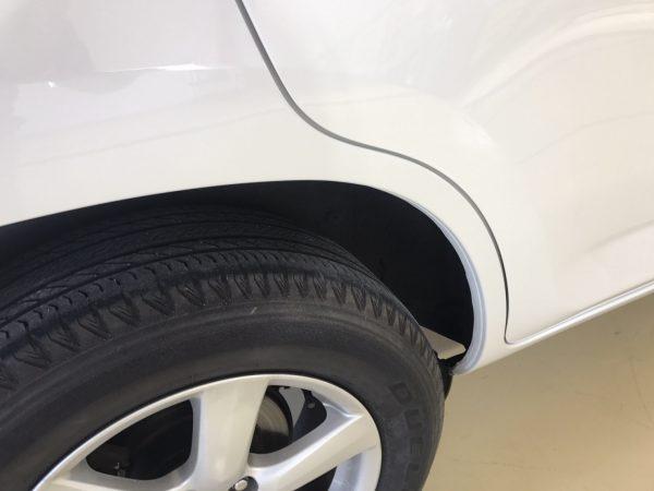 トヨタ ヴァンガード リアフェンダー傷修理