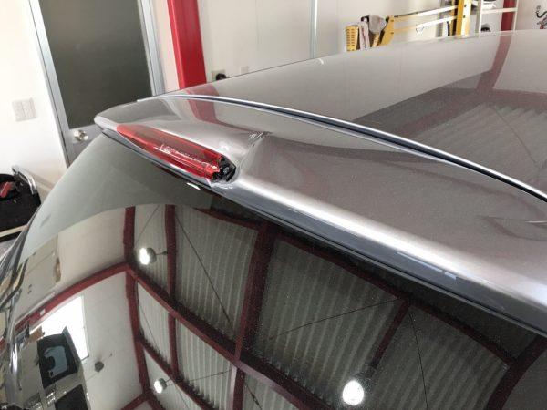 スバル レガシーバックドア修理