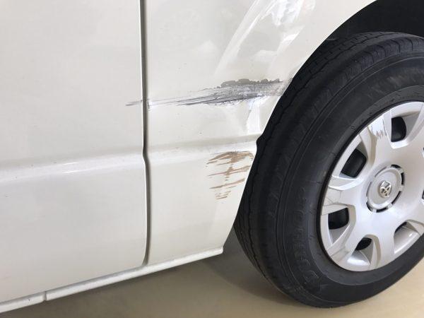 トヨタ ハイエース傷、へこみ修理