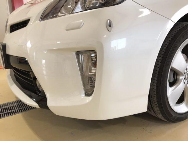 トヨタ プリウス フロントバンパー傷修理