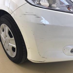 ホンダ フィット フロントバンパー修理