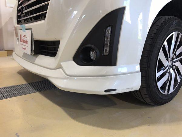 トヨタ トール フロントバンパー傷修理