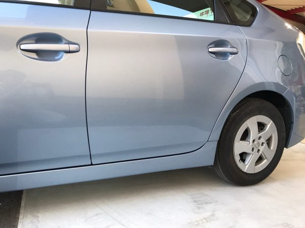 トヨタ プリウス側面修理