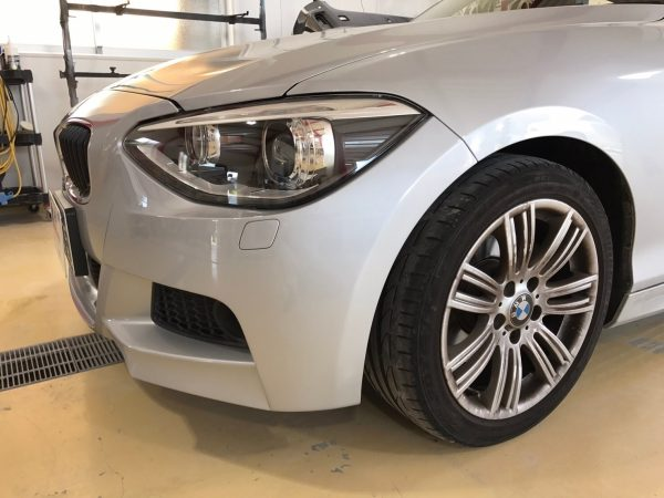 BMW フロントバンパー修理