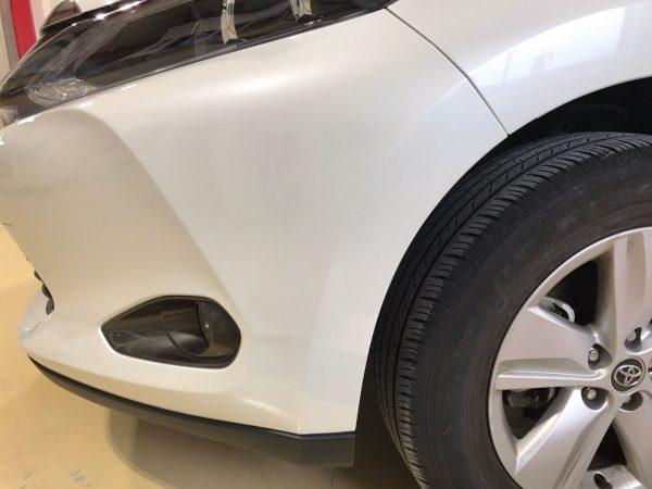 トヨタ ハリアーバンパー修理